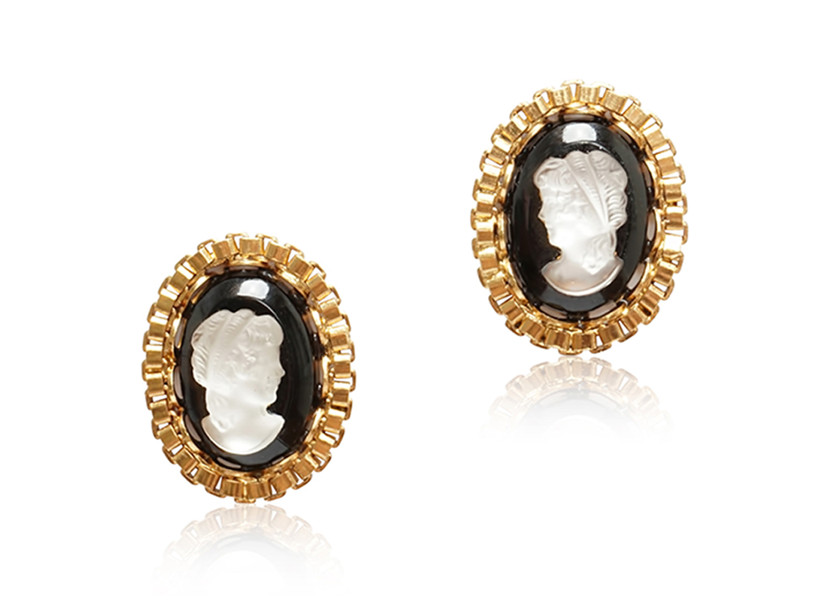KATE CAMEO STUD EARRINGS