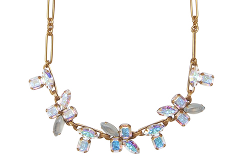 CHLOE STATEMENT NECKLACE IN GOLD