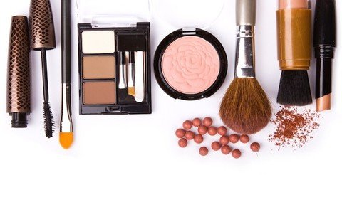 5 Makeup Tips for Rosacea Redness