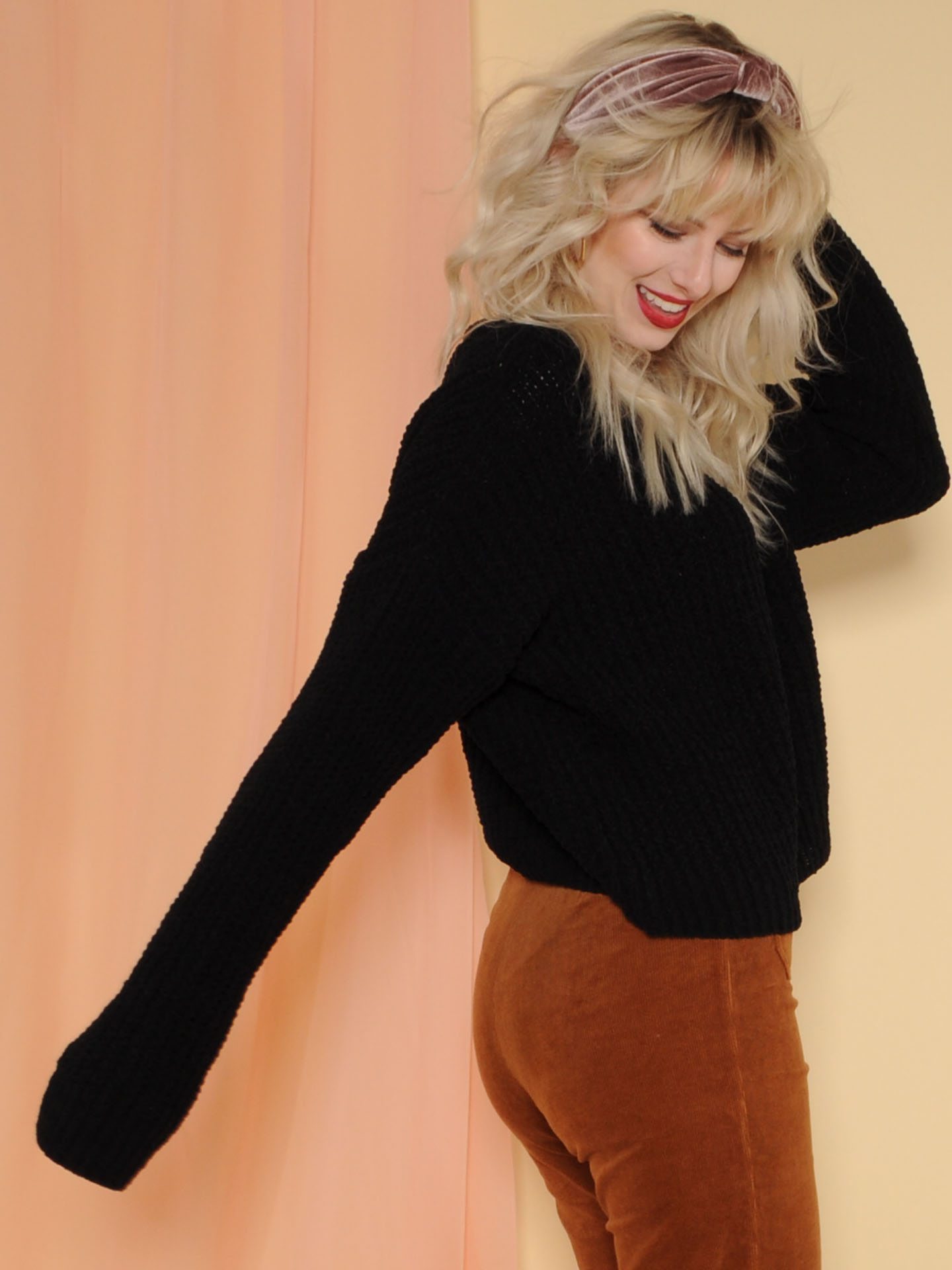Leia Sweater Soft Knitted Long Sleeve Black Side