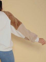 Versa Sweater Chromatic Square Brown Fuzzy Sleeve