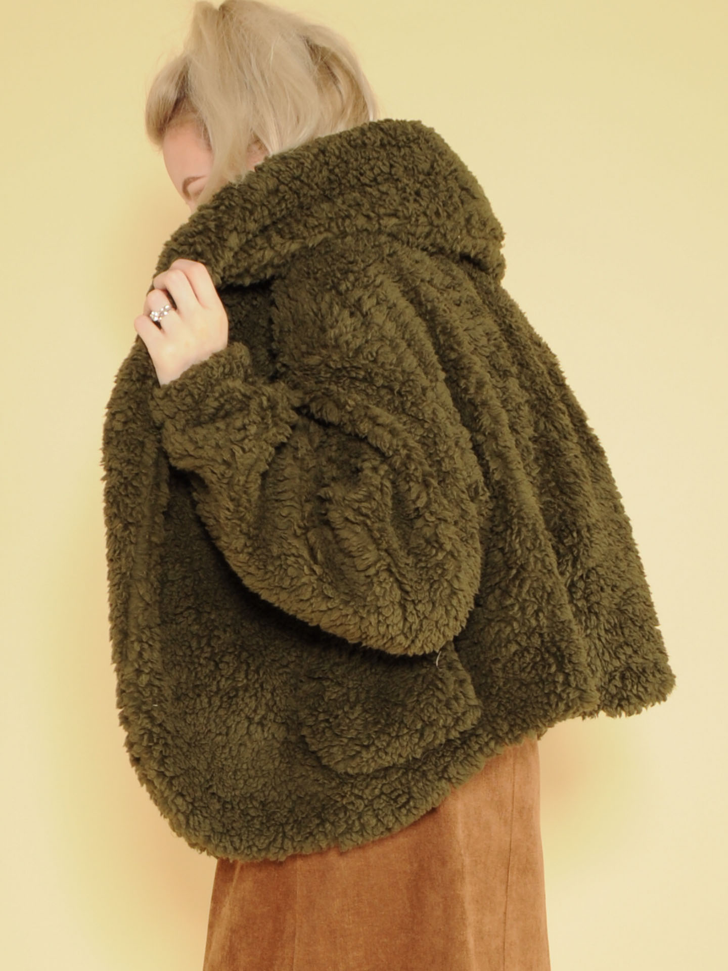 Snuggly Jacket Oopen Front Faux Fur Back