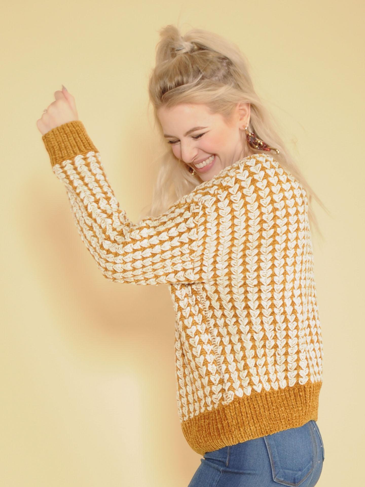 Kathleen Sweater Mustard & White Tight Soft Knit Side