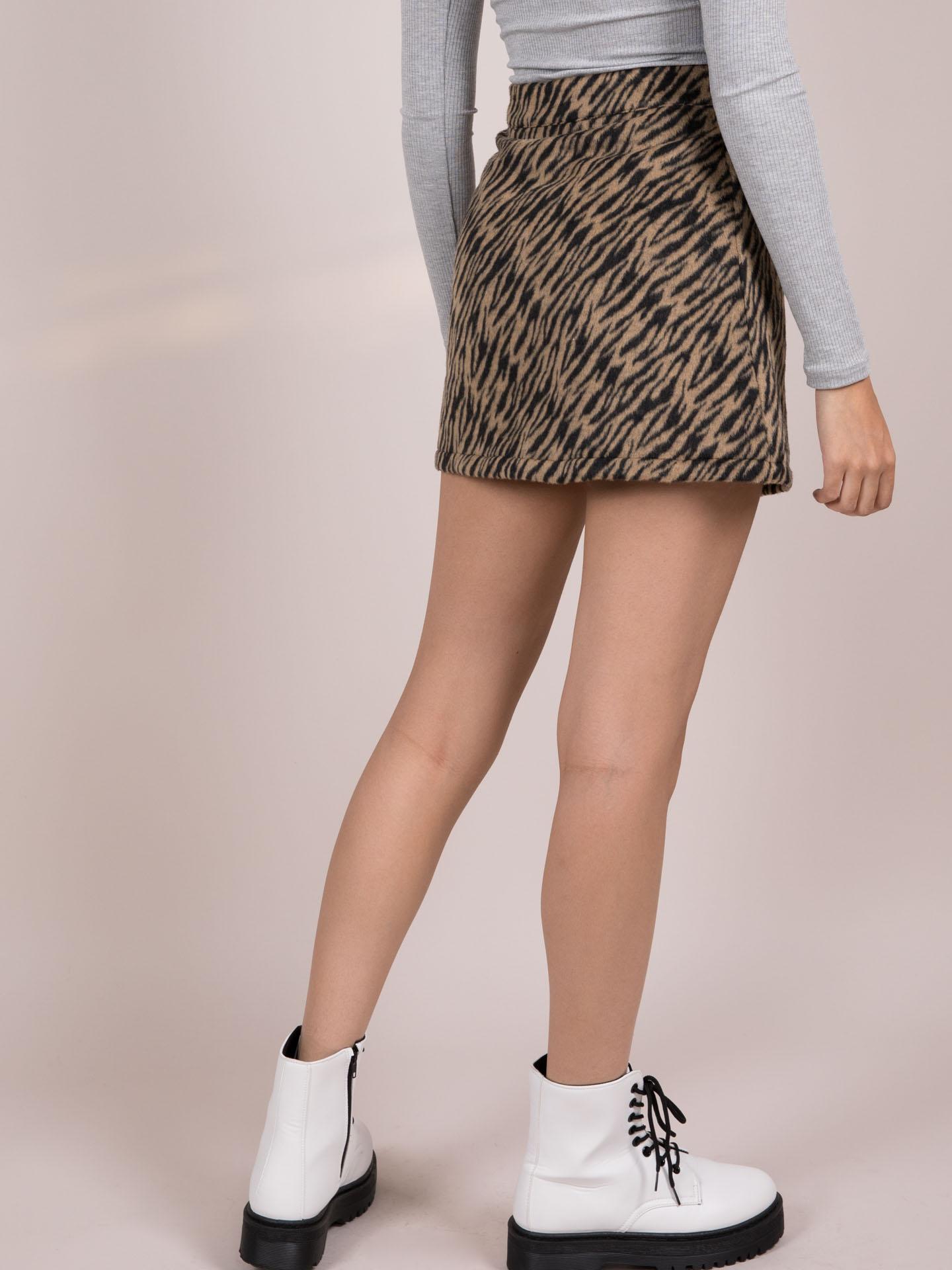 Suki Tiger Skirt Wool Zip Front Mini Back