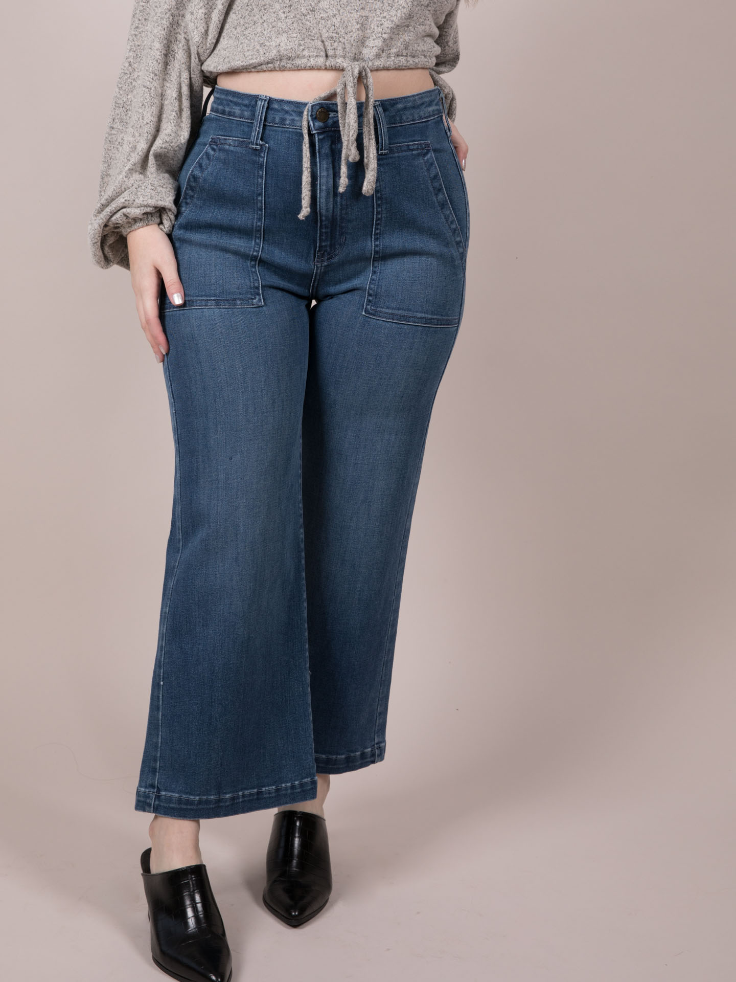 Wide Leg Crops Maxine Jeans Front