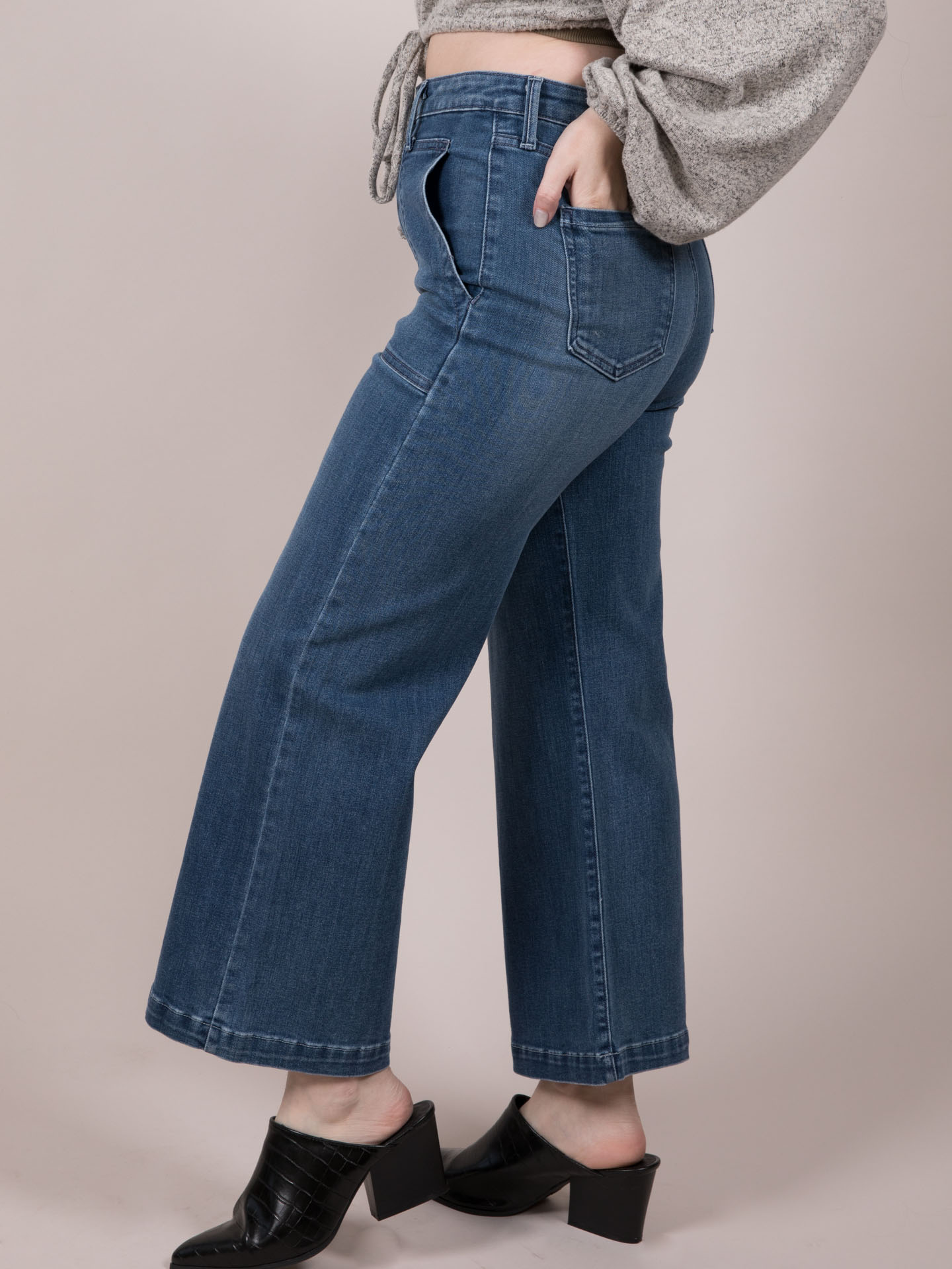 Wide Leg Crops Maxine Jeans