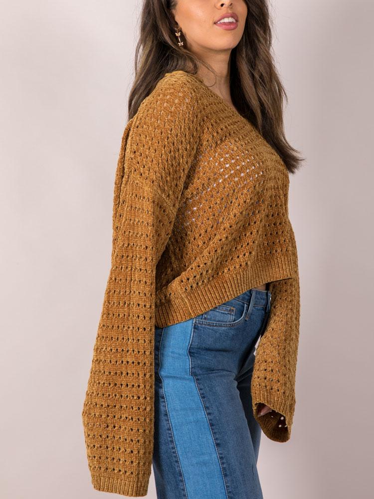 Iza Sweater Soft & Oversized Mustard Crop Side