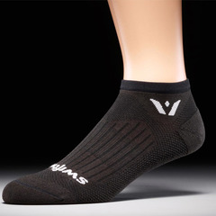 Swiftwick Aspire Zero Socks-Black